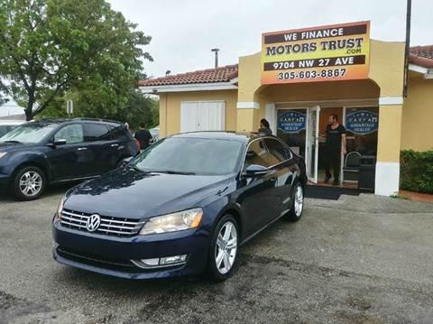 2012 Volkswagen Passat for sale in Miami, FL
