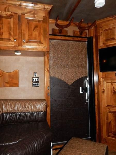 2016 Elite 3 Horse w/Living Quarters  - Fountain Inn SC