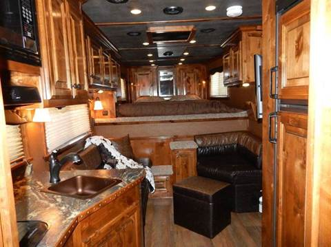 2016 Elite 3 Horse w/Living Quarters