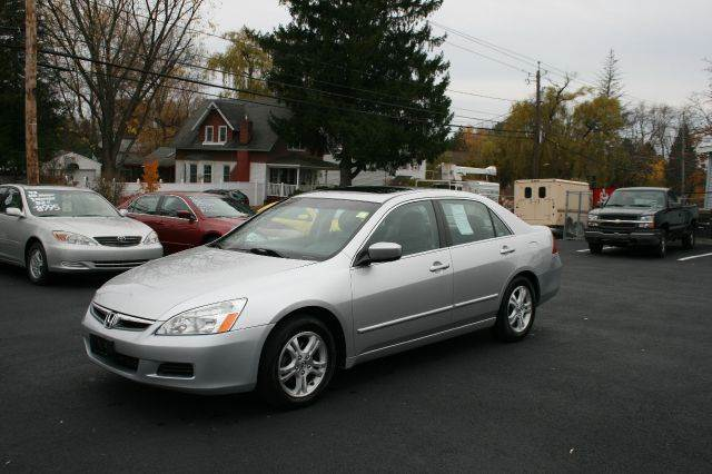 Crown motors used cars schenectady ny dealer for Capitaland motors gmc schenectady ny
