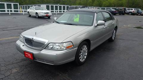 2006 Lincoln Town Car for sale in Racine, WI