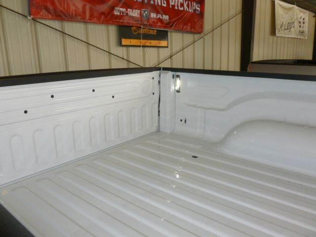 2017 RAM Ram Pickup 1500 4x4 SLT 4dr Crew Cab 5.5 ft. SB Pickup - Cambridge NE