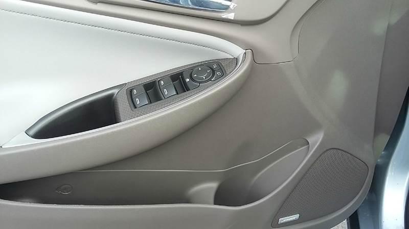 2017 Chevrolet Malibu LT 4dr Sedan - Cambridge NE