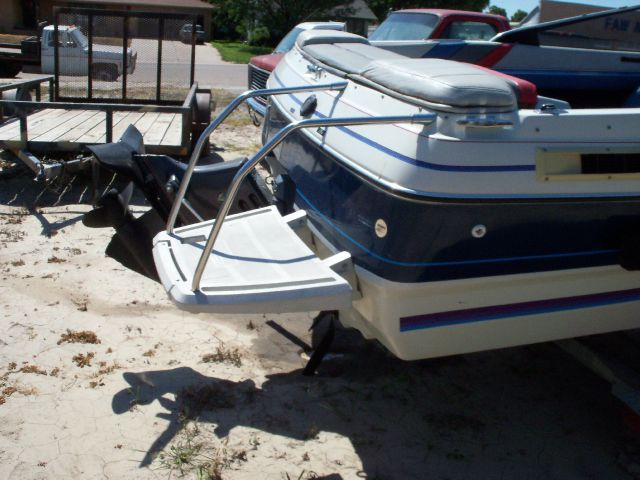 1989 Bayliner Capri  - Cambridge NE