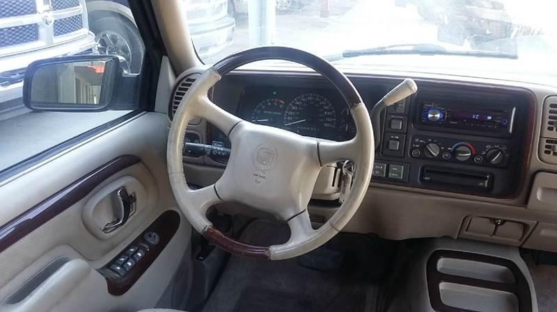 1999 Cadillac Escalade 4dr 4WD SUV - Cambridge NE