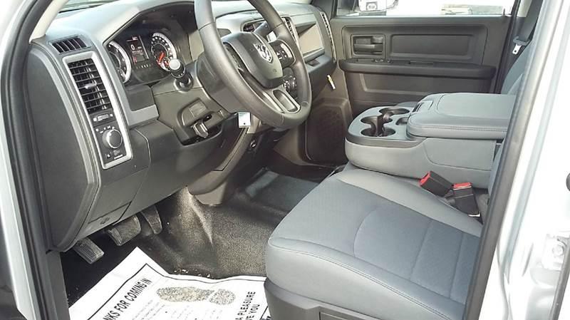 2017 RAM Ram Pickup 2500 4x4 Tradesman 4dr Crew Cab 6.3 ft. SB Pickup - Cambridge NE