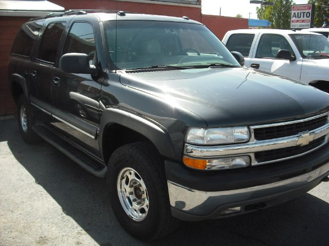 2004 Chevrolet Suburban 2500 LT 4WD-303-437-6968