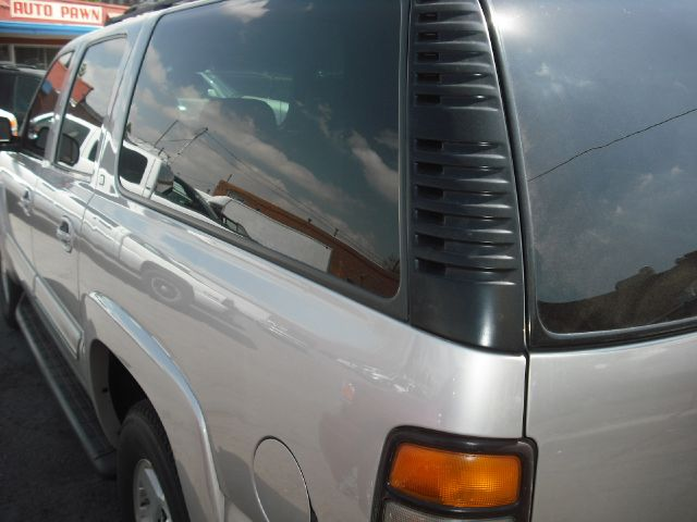 2005 Chevrolet Suburban LT 4WD LOADED-303-437-6968