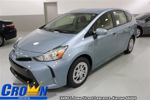 2017 Toyota Prius v for sale in Lawrence, KS