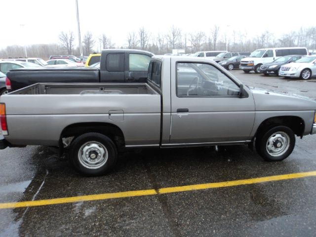 1987 nissan pickup for sale in sturgeon lake mn. Black Bedroom Furniture Sets. Home Design Ideas