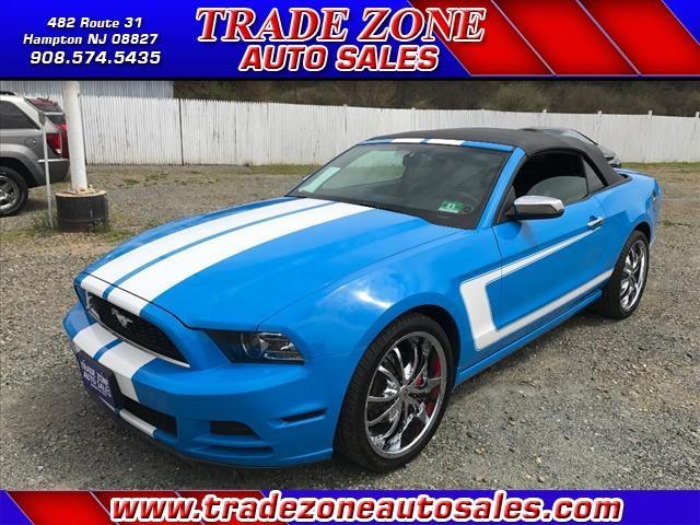 2013 Ford Mustang V6 Premium 2dr Convertible - Hampton NJ