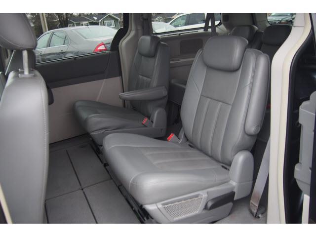 2008 Chrysler Town and Country Touring 4dr Mini-Van - Hampton NJ