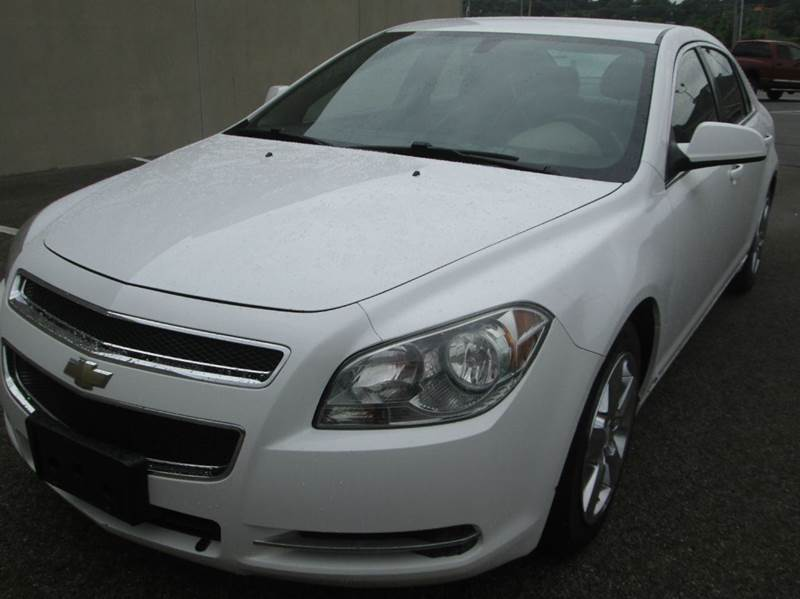 2010 CHEVROLET MALIBU LT 4DR SEDAN W2LT white chevy malibu beautiful two-toned interior leather