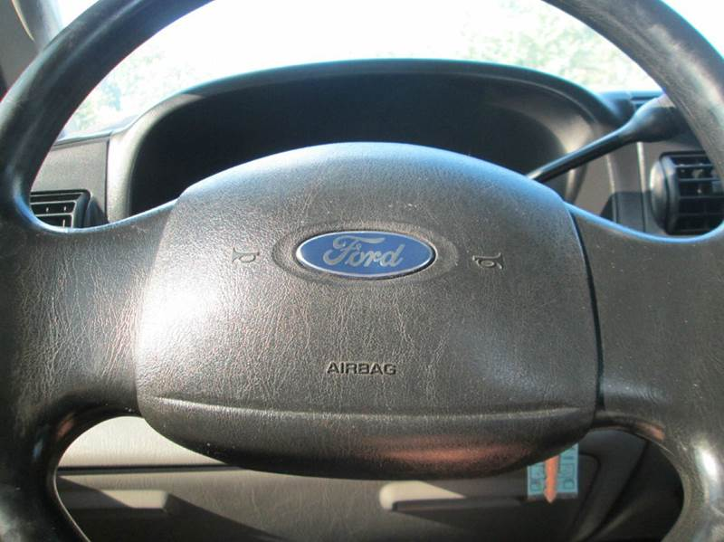 2006 Ford F-250 Super Duty XL 4dr Crew Cab 4WD LB - Kingsport TN