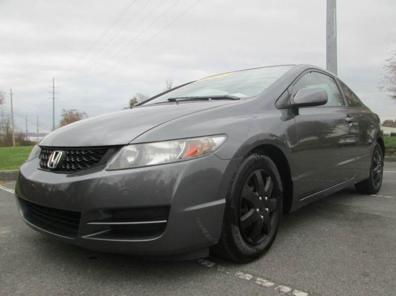2010 HONDA CIVIC LX 2DR COUPE 5A gray low low low mile civic in perfect condition just traded