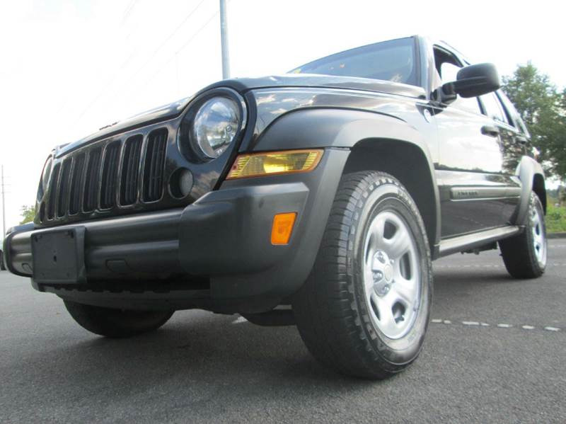 2007 JEEP LIBERTY SPORT 4DR SUV 4WD black awesome 2007 jeep liberty 166k miles very clean runs