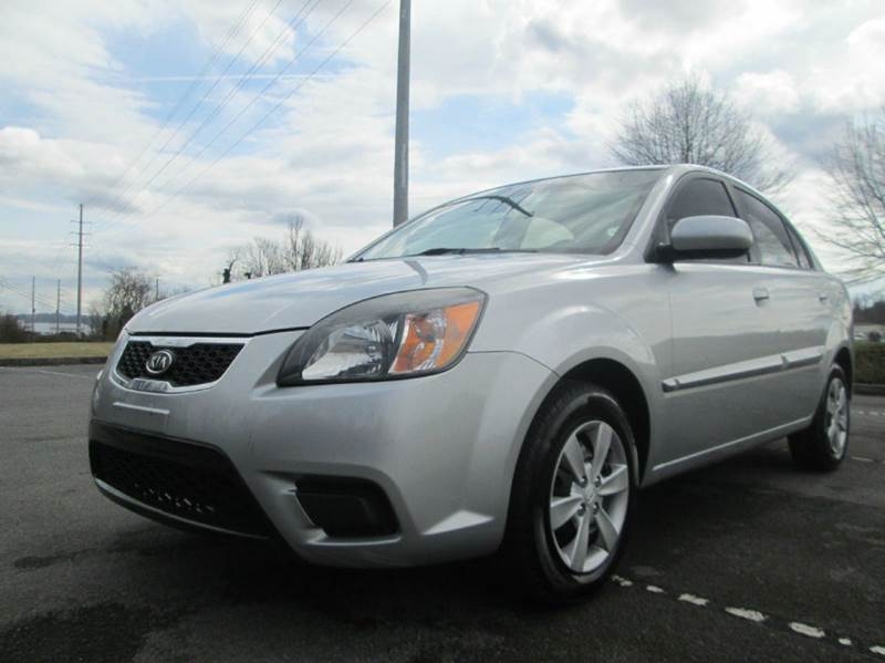 2011 KIA RIO LX 4DR SEDAN silver priced 1500 below retail value just traded in very very clean