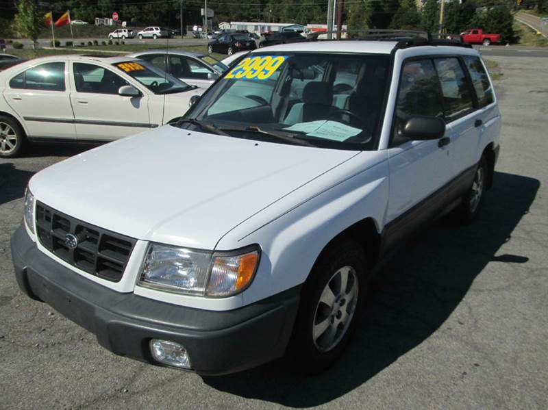 1999 SUBARU FORESTER L AWD 4DR WAGON white very nice very clean car inside and out  the interio