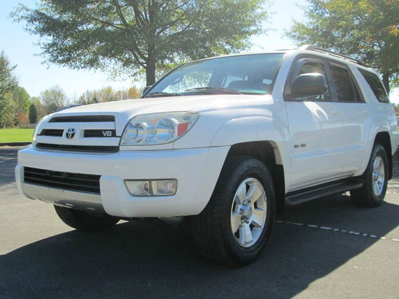 2004 TOYOTA 4RUNNER SR5 4WD 4DR SUV white awesome white 4runner sr5 incredible condition thir