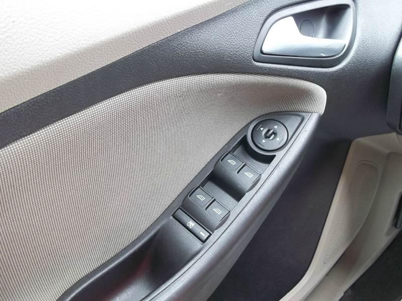 2014 Ford Focus SE 4dr Hatchback - Laurel MS