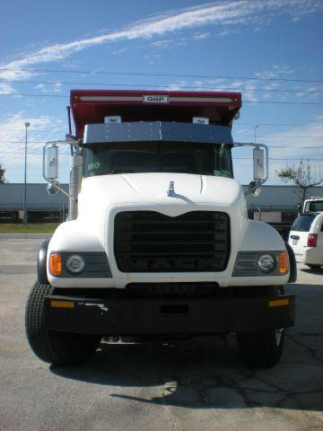 2009 Mack CV700