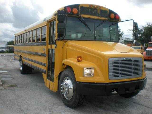 2002 Freightliner FS 65