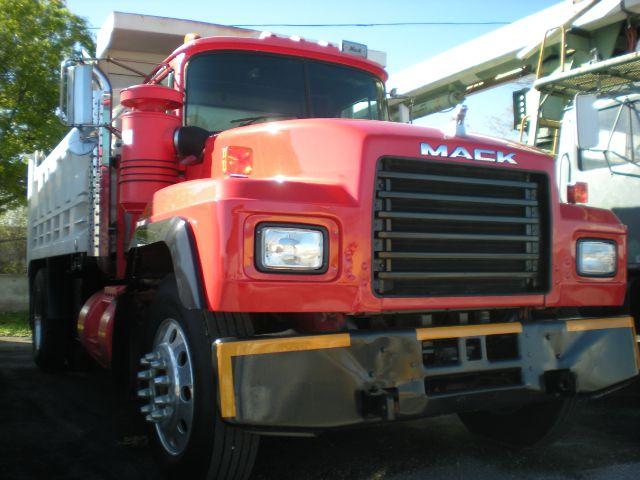 1998 Mack R600