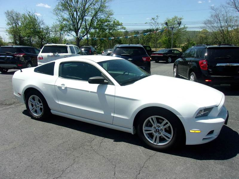 2014 Ford Mustang V6 2dr Coupe - Reedsville PA