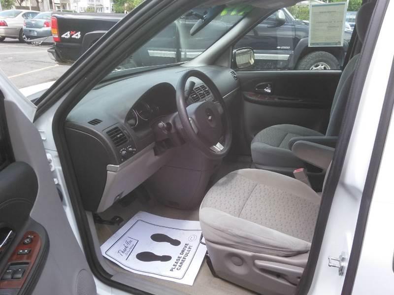2006 Chevrolet Uplander LS 4dr Extended Mini-Van - Mt Clemens MI