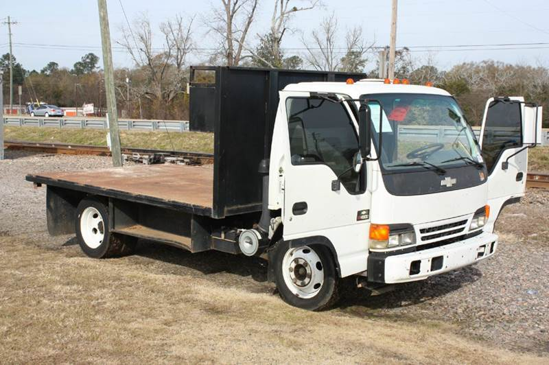 2004 CHEVROLET TILT MASTER W4S white low tilt cab 149870 miles VIN 4KBC4B1U64J802863
