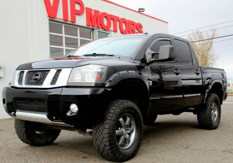 2014 nissan titan pro 4x 4x4 4dr crew cab swb pickup in portland or vip motors llc. Black Bedroom Furniture Sets. Home Design Ideas