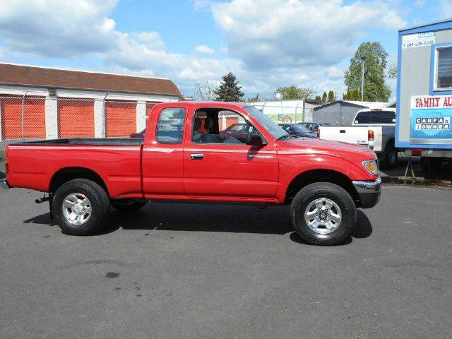 1996 toyota tacoma 4x4 extra cab 5 speed in portland beaverton vancouver family auto network. Black Bedroom Furniture Sets. Home Design Ideas