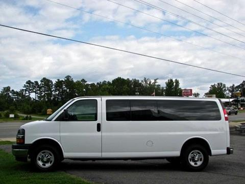 2017 Chevrolet Express Passenger for sale in Clinton, AR