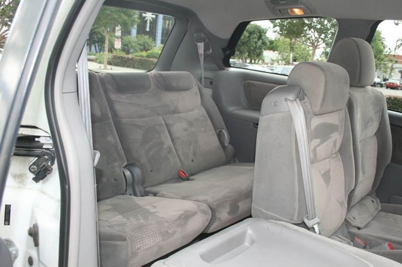 2007 Toyota Sienna LE 8-Passenger 4dr Mini-Van - Los Angeles CA