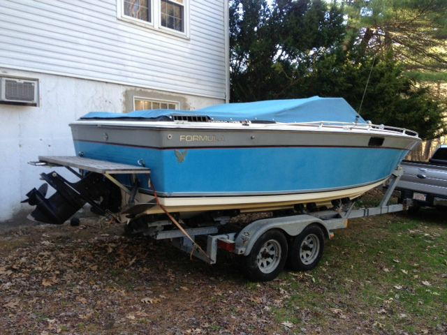 1983 Formula F3 LS Cuddy Trailer Will Trade - Westford MA