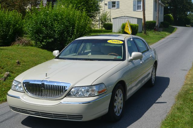 2006 Lincoln Town Car for sale in Harrisburg PA