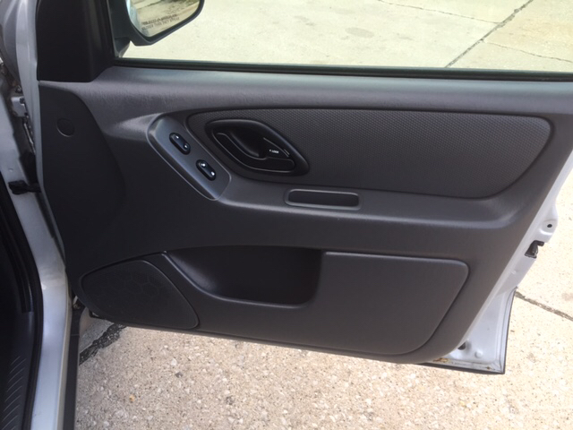 2007 Ford Escape XLS 4dr SUV (2.3L I4 4A) - Downers Grove IL