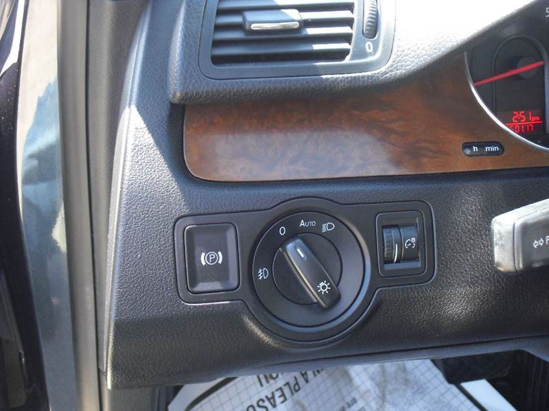 2007 Volkswagen Passat 2.0T 4dr Sedan (2L I4 6A) - Downers Grove IL