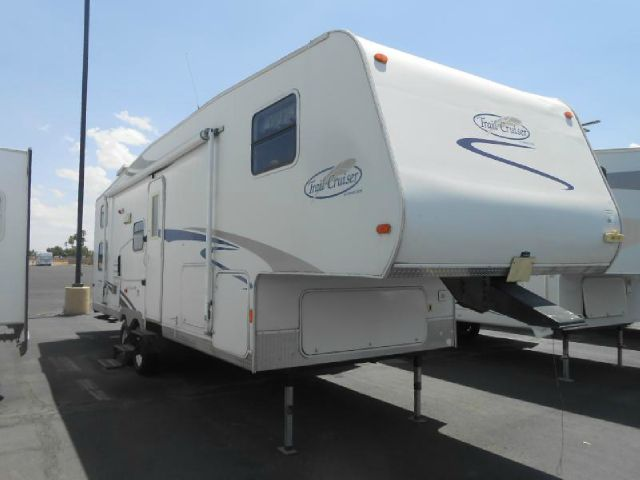 2007 R-Vision 1 slide out 529 BHS 5th Wheel