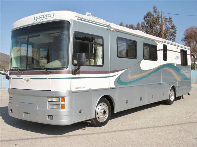 2000 Fleetwood Discovery 36T Diesel Pusher