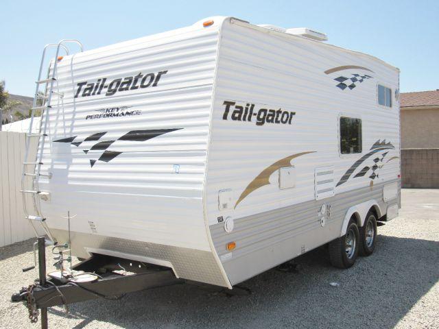 2005 Keystone Tail-Gator 189RR Toy Hauler