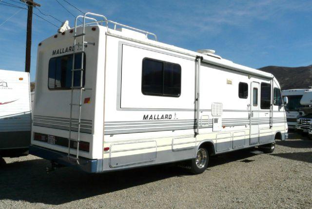 1990 Mallard 310IB Class A 34