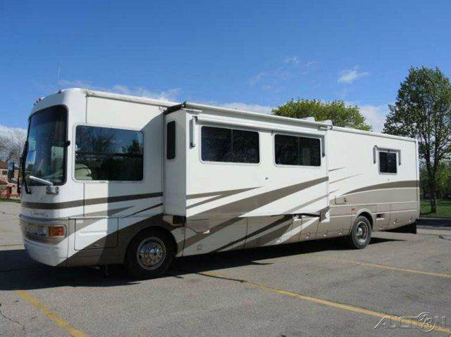 2002 National Tradewinds 390 LE
