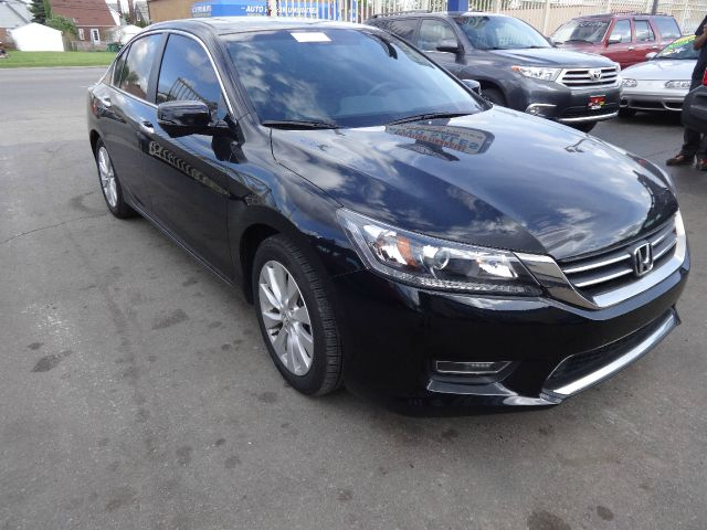 Used 2013 honda accord for sale for Selective motor cars miami
