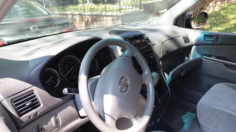 2007 Toyota Sienna CE 7 Passenger 4dr Mini Van - Brooklyn NY