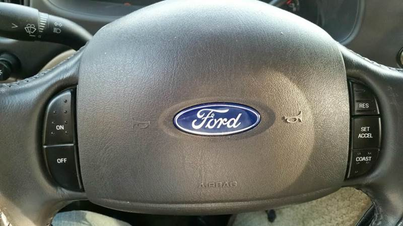 2003 Ford  Mobility E-150 Raised Roof  wheel chair - Brooklyn NY