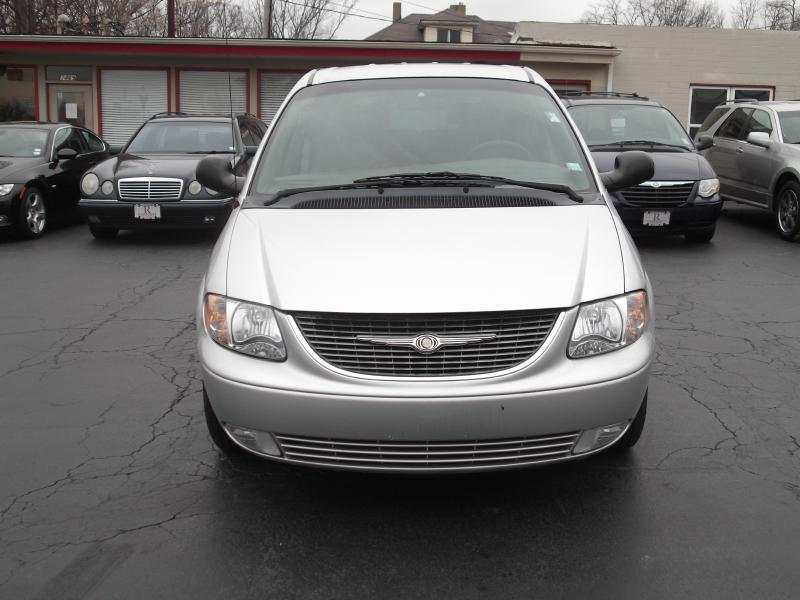2001 Chrysler Town and Country LXi 4dr Extended Mini-Van - St. Louis MO