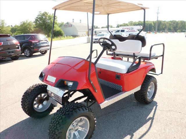 2010 EZ GO GOLF CART