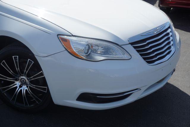 2011 Chrysler 200 Touring 4dr Sedan - Lexington KY
