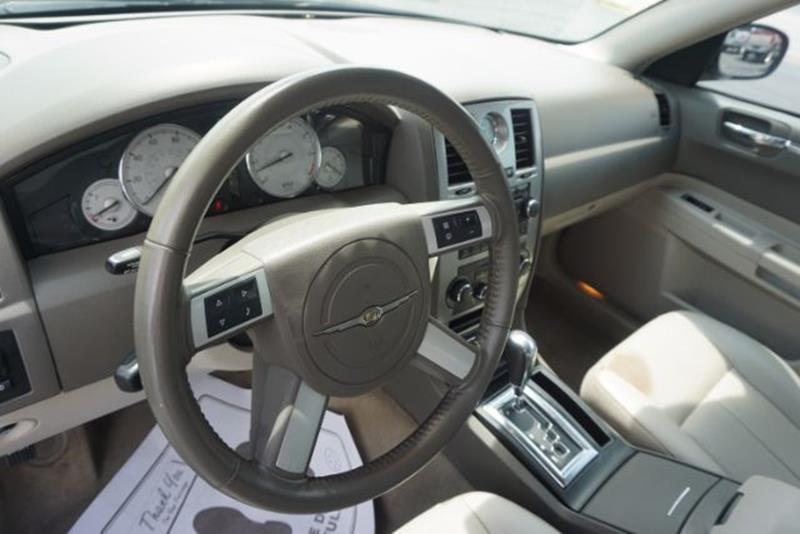2007 Chrysler 300 Touring 4dr Sedan - Lexington KY